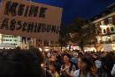 Keine Abschiebung!  Lichtermeer für Bleiberecht am 22. September 2018 in Lienz