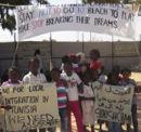 Protest der Flüchtlinge aus dem Flüchtlingslager Choucha - sie fordern Sicherheit und einen Platz, an dem sie leben können.