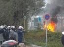 Feuer und überforderte Polizei beim Aufstand in Moria.