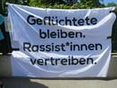 Flüchtlinge bleiben - Rassist_innen vertreiben