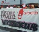 Protest gegen das Abschiebegeschäft von Air Berlin am Flughafen Düssledorf, 9. Dezember 2010