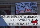 Abschiebungen verhindern! In Ellwangen und überall! Solidaritätsbekundung via Transparent in Hamburg.
