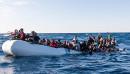 Menschen in Seenot - Foto: Laurin Schmid / SOS MEDITERRANEE