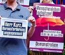 Bewerbung der Demo mit Plakaten