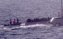 Am 18. März 2016 filmt ein Team von Channel 4 News, wie die türkische Küstenwache ein Flüchtlingsboot umzudrehen versucht - und dabei das Leben der Flüchtlinge riskiert. Foto: twitter / @alextomo