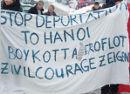 Stop deportation to Hanoi. Boycott Aeroflot. Zivilcourage zeigen. Flughafen Berlin Schönefeld, 6. Dezember 2010