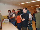 Prozess am LG Wien - JournalistInnen warten bei der Zugangskontrolle.